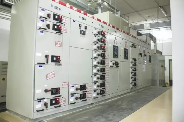 213台高低压配电柜,项目采用独立成项方式,仅配电房就多达23个,供配电